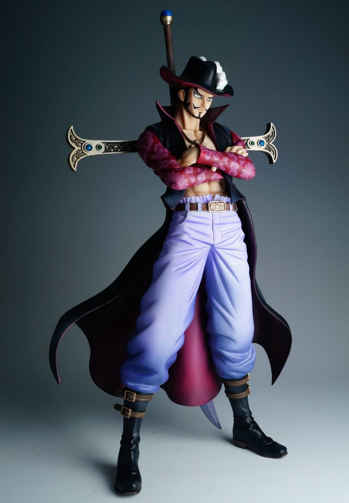 One-Piece-POP-Neo-DX-Hawkeye-Mihawk-Ver.-2-Figure-e1383236414347